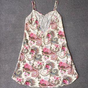 Victoria's Secret Paisley Pink Rose White Lace M